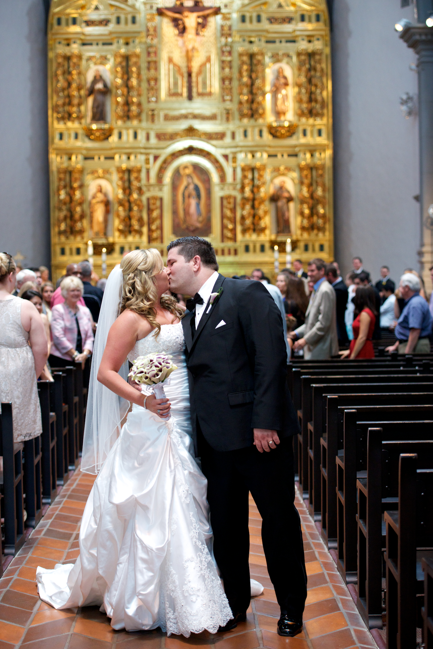 They Wanted A Traditional Catholic Wedding With Services Held At The Mission San Juan Capistrano And Reception Viejo Country Club