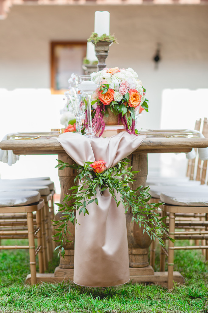 Casa Romantica styled photo shoot wedding table flowers floral design Events By Cori the Tangled Vine